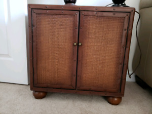 China cabinet/end table