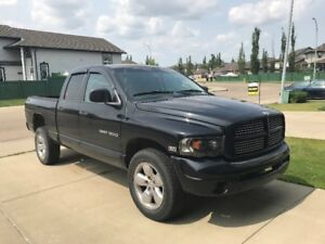 2004 Black Dodge Ram 1500 Heated/Leather Seats, Remote Start!