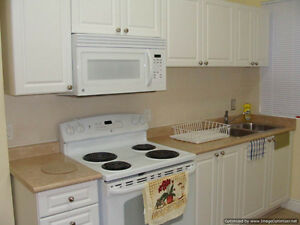 * DOWNTOWN * A/C * FURNISHED * UTILITIES INCLUDED * MAY 1st *