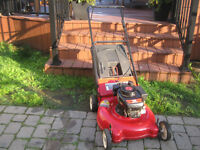 Tondeuse Yard Machines (3.5 hp / 21 pouces) avec sac arrière
