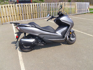 2014 Honda Forza NSS300/A Scooter