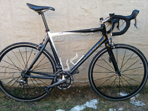 Excellent condition Giant TCR-C2 road bike