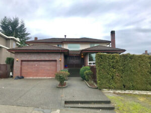 SFU North Burnaby, Private rooms and spacious house pet friendly