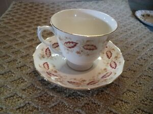 QUEEN ANNE BROWN LEAF TEA CUP AND SAUCER Windsor Region Ontario image 1