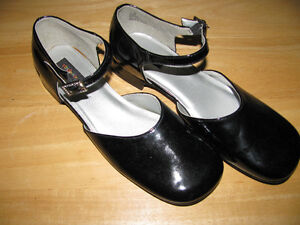 NEW GIRL'S DRESS SHOES