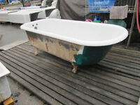 WANTED: Looking for a clawfoot bathtub