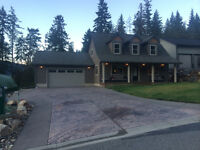 House near Sicamous, sleeps 7, sledder and skiers welcome,