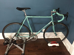 Bianchi Quattro with 10spd Campagnolo Veloce. Classic and modern
