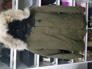 Canada Goose Victoria Parka Size Large in Military Green