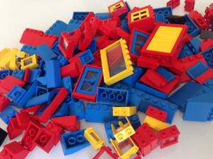 Lego pieces, blocks, figures, transportation – 950+ pieces
