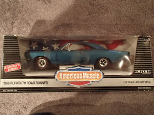 1:18 SCALE DIE-CAST AMERICAN MUSCLE 1969 PLYMOUTH ROAD RUNNER