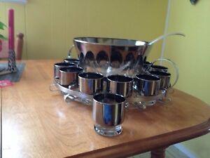 Beautiful Silver Luster Glass Punch Bowl Set with Holder Edmonton Edmonton Area image 5