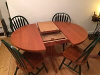 Extendable round table and 4 farmhouse kitchen chairs
