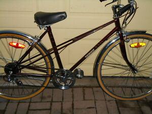 VINTAGE 80'S LADIES TEMPEST ROAD CRUISER- SIZE SMALL