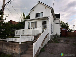2-Storey Detached Home (2-bedroom w/potential) in Vieux Hull