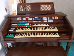 Wurlitzer 950A organ/keyboard