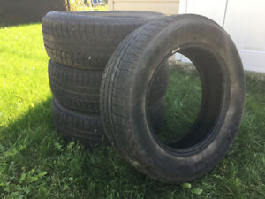 Pneus hiver usages/Used winter tires 225/65R17 Michelin
