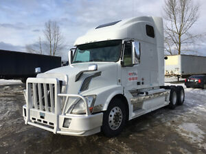 2013 Volvo 670- One owner