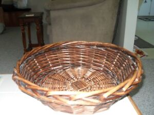 Wicker Pet Basket with Pillow