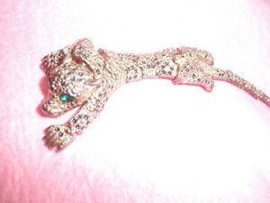 5 inch long hinged jaguar pin, all stones in tact..