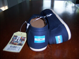 LADIES TOMS SHOES