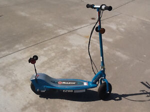 EZ200 Electric Scooter