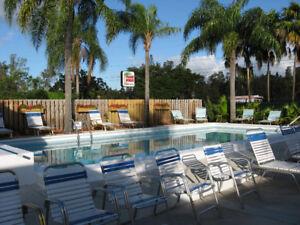 Hollywood Floride, 18 unités, tous sur 1 plancher.