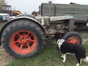 Case  tractor 1939. Runs and drives.  Great for restoration ! Regina Regina Area image 1