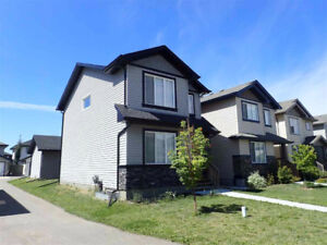 Live in Windermere at an Amazing Price! Like new for $375k