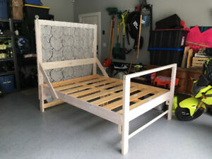 Wooden Bed Frame - Double/Full - So Pretty!!