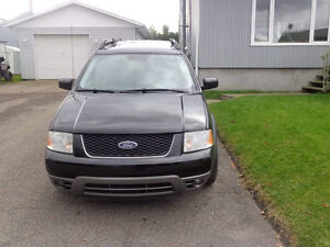 2005 Ford FreeStyle Familiale AWD SEL Saguenay Saguenay-Lac-Saint-Jean image 1