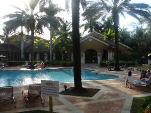 2 bed/2 bath condo in Naples, 10 mins from beach