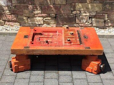 vintage OBJEKT-COUCHTISCH aus Sandgussformen Holz  20er/30er Jahre
