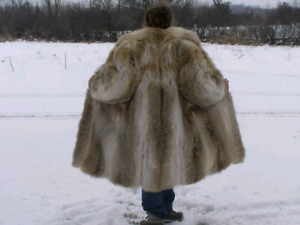 GORGEOUS Vintage Coyote Real Fur Coat!!!