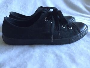 Women's All Star Converse! All Black Shoes Kawartha Lakes Peterborough Area image 2