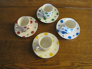 4 cappuccino size coffee cups and saucers