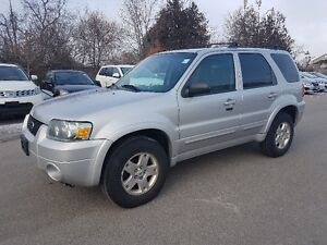 2006 Ford Escape LIMITED AWD * SUNROOF, Leather, Heated Seats *