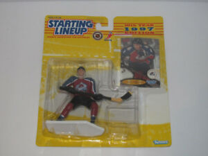 1997 KENNER STARTING LINEUP SANDIS OZOLINSH AVALANCHE ACTION FIG