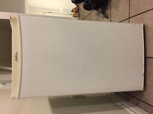 Mini fridge -perfect condition!!