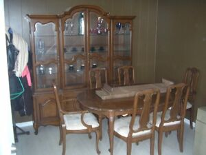 EIGHT PIECE ITALIAN BEAUTIFUL DINNING SET EXPENSIVELY BOUGHT