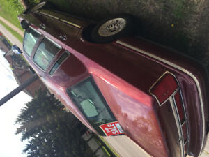 1997 lincolin tow car deeligance one ouner. New paint as is