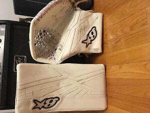 Subzero 3 goalie glove set
