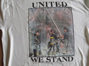 """FS: 2001 """"United We Stand"""" N.Y. Firefighter 911 Memorial T-Shirt"""