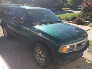 FIRST OFFER TAKES IT 96 GMC JIMMY 4x4