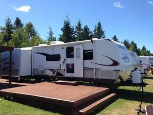 2009 Outback 300 BH. Camper Travel Trailer