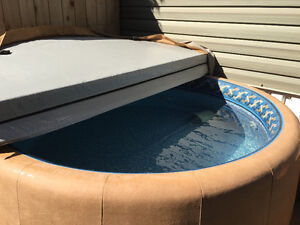 Official Soft Tub - Hot Tub - Excellent New Condition
