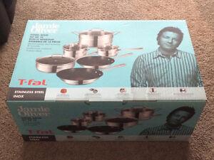 Brand new Jamie Oliver Pan set
