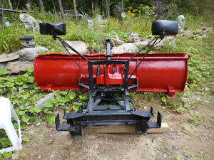 7 1/2 FT Western plow with mounting bracket