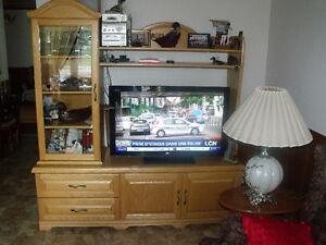 Meuble de TV et table de milieu