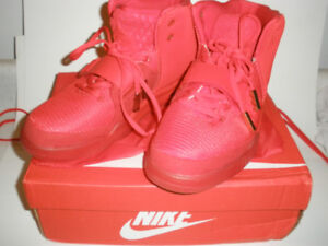 Nike Air Yeezy 2 Red October Men's size 11, Pre-Owned